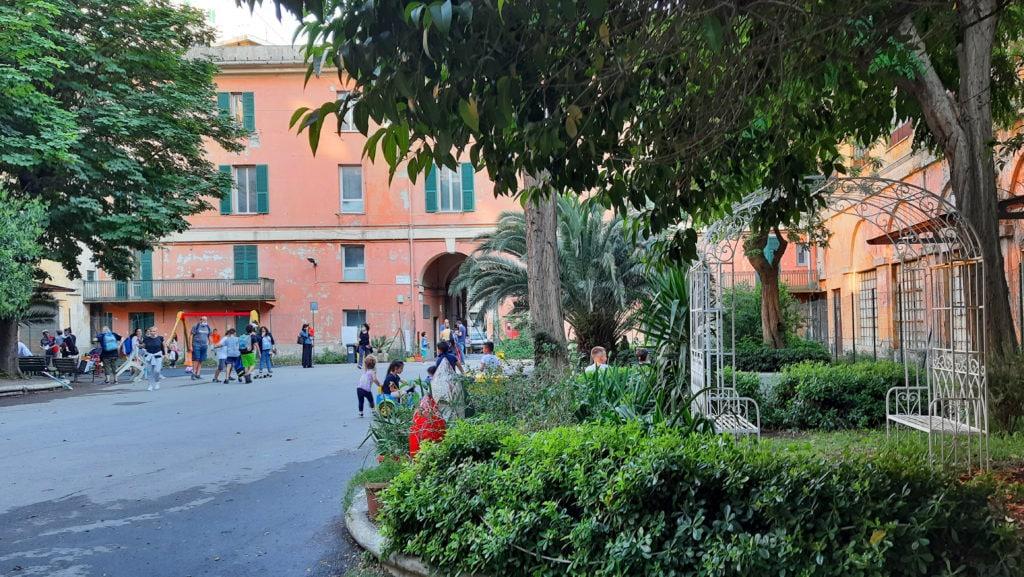 Casa Gavoglio a Genova. Una periferia in centro città, una caserma dismessa, un futuro parco